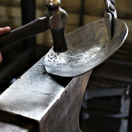 Making an iron bowl