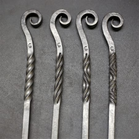 Scroll Pokers with twist